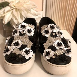 Michael Kors leather upper with flower flats US 5